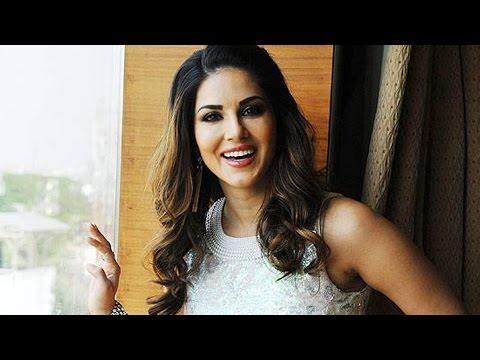 Sunny Leone As H0tY SANTA - zoOm EXCLUSIVE : PROMO 1