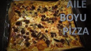 10 Numara Mutfak, bugün tüm aileye yetecek kocaman bir pizza yapmak isteyenler için nefis bir aile boyu pizza tarifiyle karşınızda.