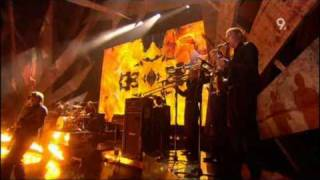 Kasabian - Fire (Brit Awards 2010)