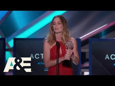 Emily Blunt Wins Best Action Movie Actress - 2015 Critics' Choice Movie Awards | A&E