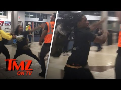 NFL Star In Wild Fight At Airport! | TMZ TV (видео)