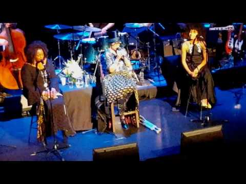 Dee Dee Bridgewater, Dianne Reeves & Esperanza Spalding - live at Apollo Theater (видео)