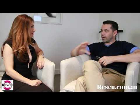 Roland Mouret In-Depth Interview (видео)