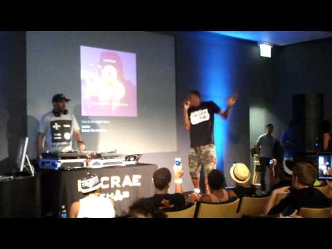 Lecrae performs new song
