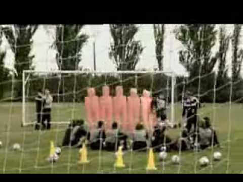 踢足球必勝絕招,據說足球員都要經過這種特訓!