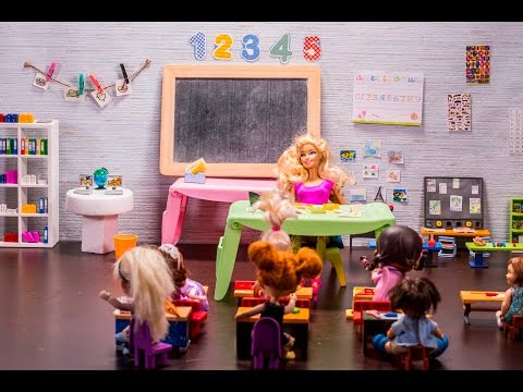 Back to school with Elsa & Anna toddlers and teacher Barbie. New class, friends and fun!