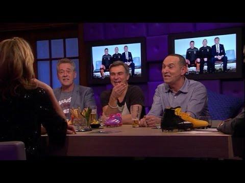 'Douchen met onderbroek aan kan echt niet' - RTL LATE NIGHT