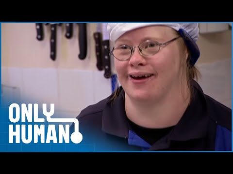 Ver vídeo Welcome to the Strangest Hotel (Downs Syndrome Documentary) | Only Human