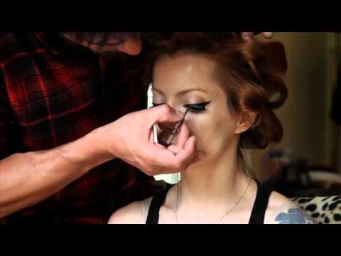 Julia Petit making of capa revista Gloss Video