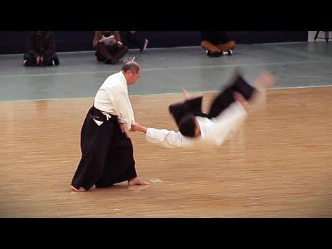Daito-ryu Aiki-jujutsu – Kondo Katsuyuki – 38th Kobudo Embutakai at the Nippon Budokan
