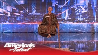 Video Special Head Levitates and Shocks the Crowd - America's Got Talent MP3, 3GP, MP4, WEBM, AVI, FLV Desember 2018