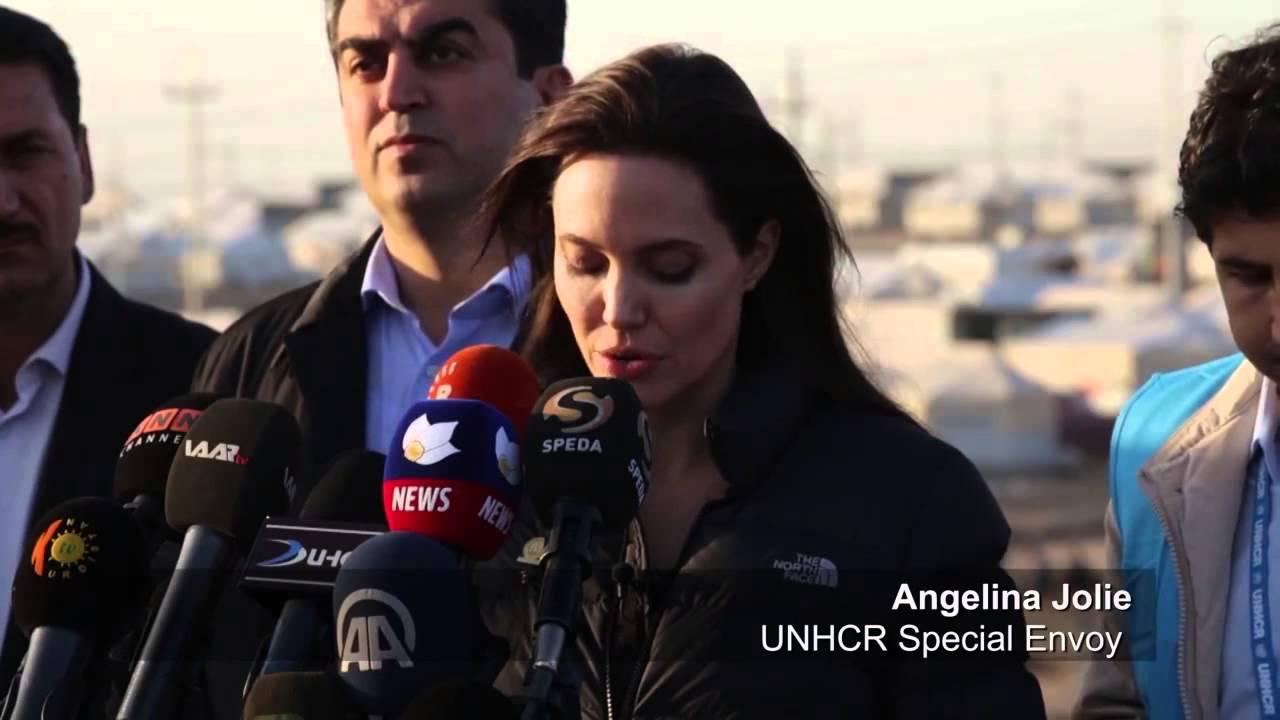 Анжелина Джоли шокирована увиденным в лагере беженцев в Ираке