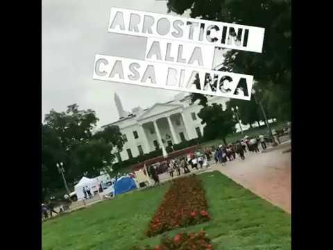 Arrosticini cotti davanti alla Casa Bianca VIDEO