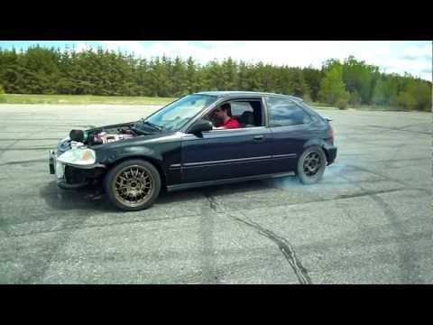 civic - 2 civic with SR20DET http://youtu.be/45Isp2tFyT0 Essai de la civic sur une piste d'aéroport abandonnée Test drive of the civic on an abandoned airstrip Drive...