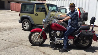8. Candy Apple Red Kawasaki Vulcan 900 Motorcycle Cruiser Classic LT