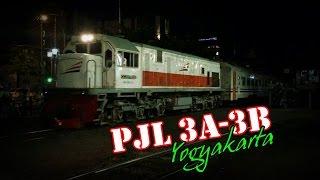 Kereta Api di Perlintasan 3A 3B Stasiun Yogyakarta