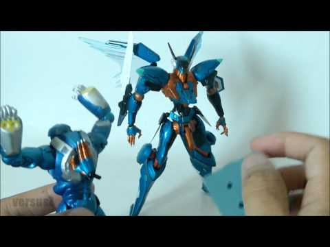 Jehuty - a long awaited, fan favorite mecha from Zone of The Enders finally gets the Revoltech treatment, check out the review Follow me on Twitter!! http://twitter.c...