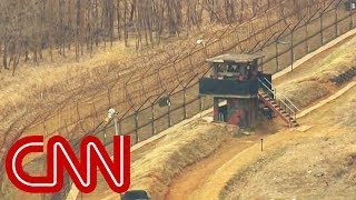 Video Another North Korean soldier escapes to South Korea MP3, 3GP, MP4, WEBM, AVI, FLV Januari 2019