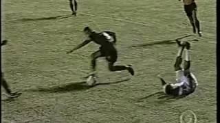 Empate no Barradão com gols de Alan Dellon, Leandro e Samir.