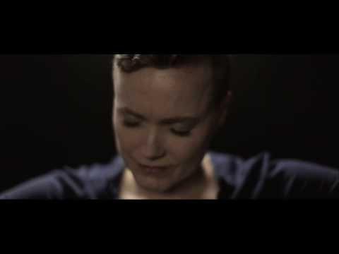 Tekst piosenki Ane Brun - Daring to love po polsku