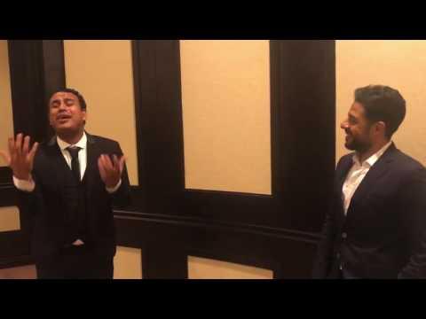 """شاهد- محمد حماقي يستمتع بغناء محمود الليثي لأغنيته """"بعدنا ليه"""""""