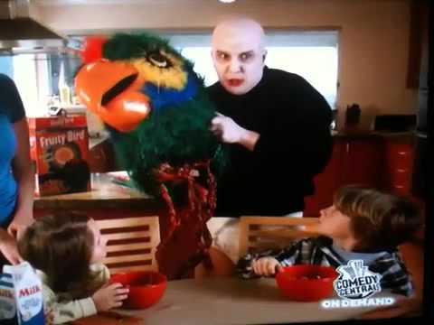 你喜歡吃玉米脆片嗎?!恐怖的驚嚇玉米片超詭異廣告讓你邊吃邊吐奶!