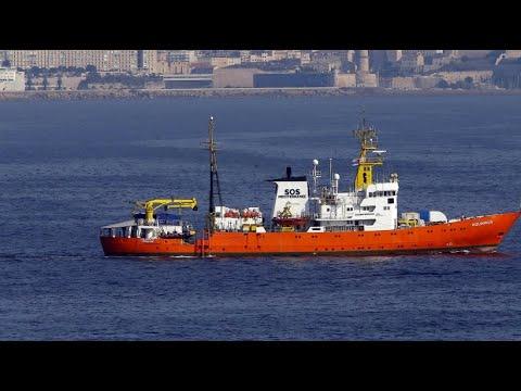 """Italien: Gegen die italienische Regierung - die """"Aquarius"""" will Flüchtlinge nicht nach Libyen bringen"""