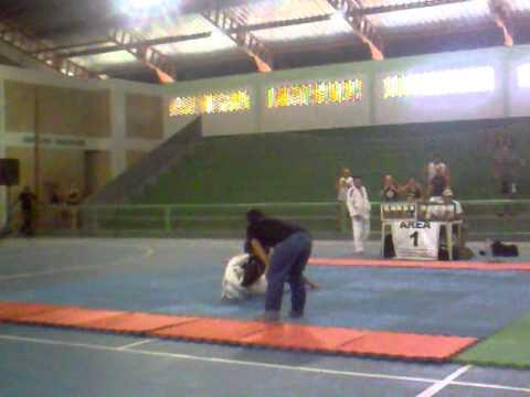 Rezek Jiu Jit'su - Jessica lutando em Camapuã