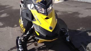 8. 2011 Ski-doo MXZ 800R E-TEC