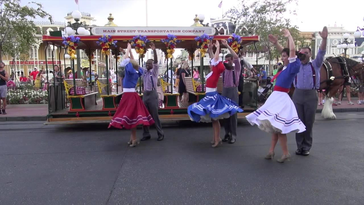 Main Street Trolley Show summer edition