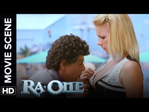 Shah Rukh's Looses His Car Keys | RA.One | Movie Scene