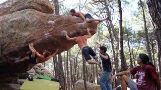 Analytic Bouldering in Albarracin by Mani the Monkey
