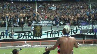 Video Viking Hibur Bonek dengan Nyanyikan Chant ini di Akhir laga | Persebaya 3 - 4 Persib GBT Surabaya MP3, 3GP, MP4, WEBM, AVI, FLV Mei 2019