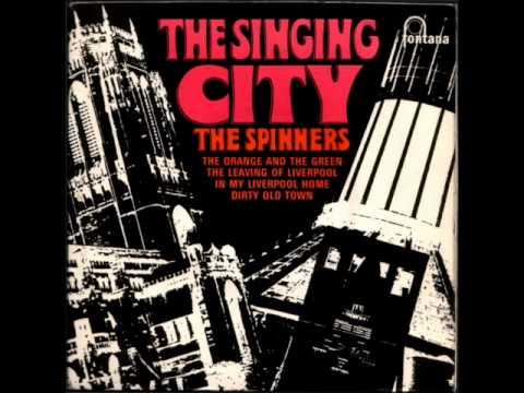 Tekst piosenki The Spinners - Dirty Old Town po polsku