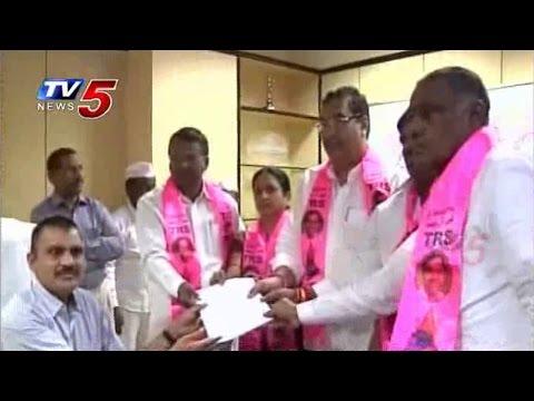 TRS Prabhakar Reddy Files Nomination For Medak LS Bypoll : TV5 News