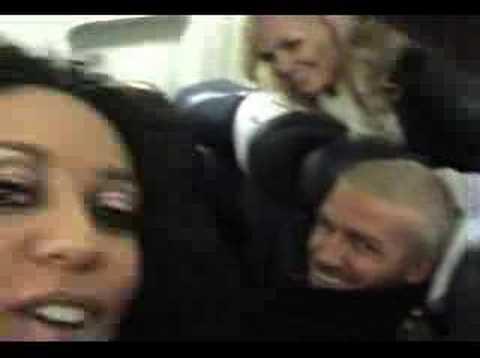 spice girls scherzano in aereo - funny plane