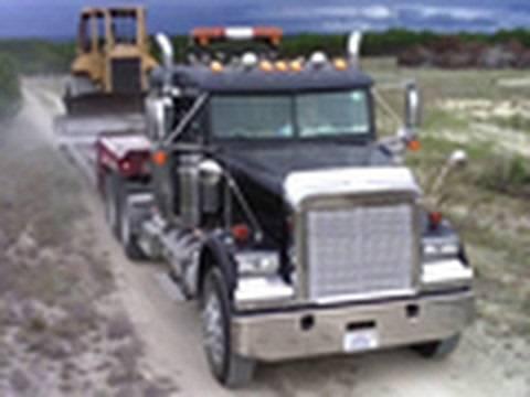 Грузовики Freightliner Haul Truck Moves D5M [HD 720p]