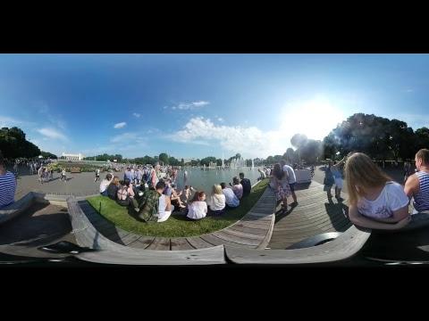 День ВДВ в парке Горького в Москве (видео 360)