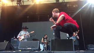 Chamber Of Reflection - Mac Demarco (Live)