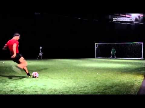 Как научится бить мяч как Сrisтiаnо Rоnаldо секрет удара - DomaVideo.Ru