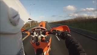 3. 2004 KTM EXC 200, Wheelie Practise