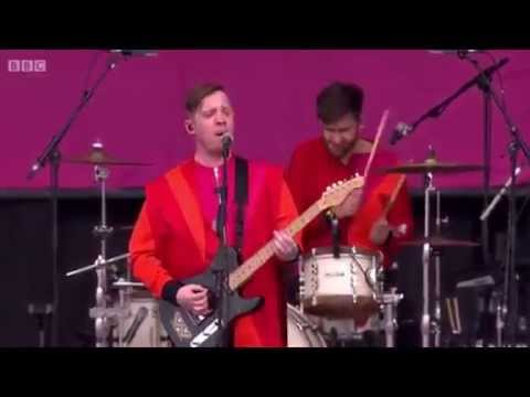 Everything Everything - Get to Heaven [Glastonbury, 2015]