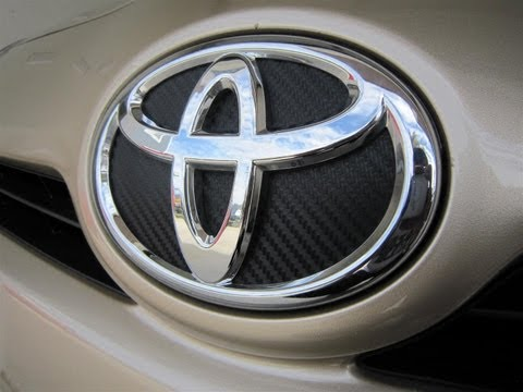 How To Wrap Toyota Prius Carbon Fiber Emblem