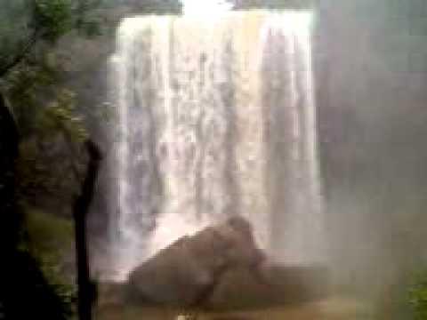 Cachoeira do Salto do Ariranha do Ivaí - PR (01/05/2012).