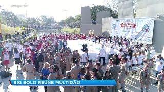 Big Bolo do aniversário de Bauru reúne multidão