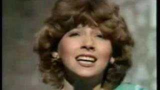 Lena Zavaroni sings 'Together we are beautiful'