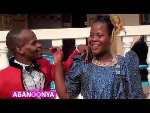 ABANOONYA  AA-Omuyimbi Vincent Segawa yakyaala ewa Senga wa Mbabazi