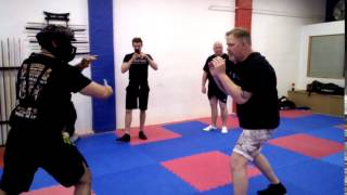 Knife Defence 001 Share