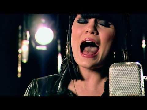 Jessie J - Big White Room (Live Acoustic @ Beta TV)