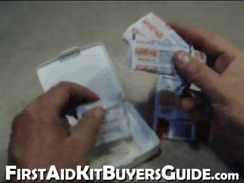 xIRAxFiveSeven - Quick Review of a simple 99¢ First Aid kit First Aid Kit Buyers Guide http://www.firstaidkitbuyersguide.com A video gear review from Gear-Reviews.net http://...